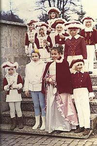 Kinderprinzenpaar 1973Andreas u. Anja Burgard mitGarde